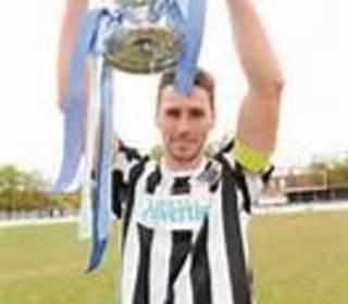 Mark Nisbet winning the Berks and Bucks cup