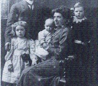 Robert Bagguley and family c1911
