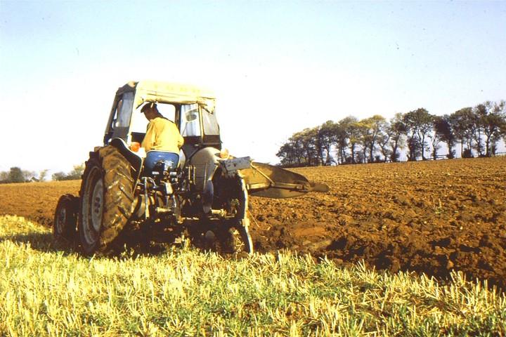 Frank Randall Ploughing 28.10.72