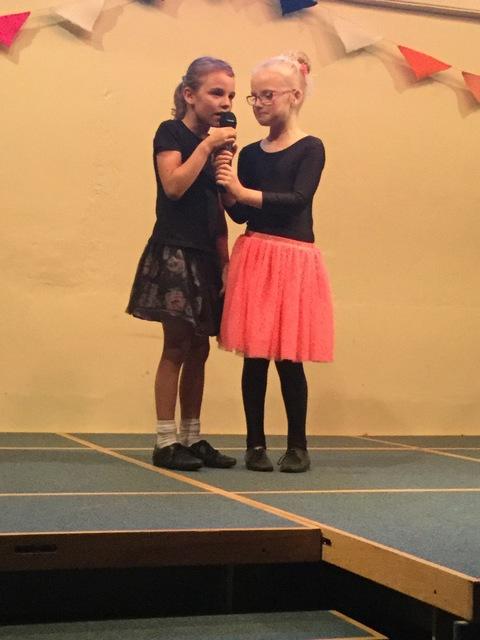 Chloe & Felicity sing a Duet