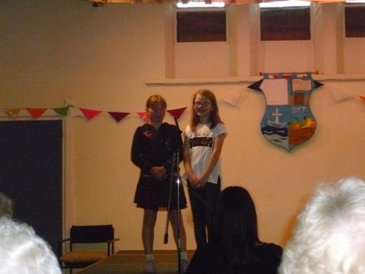 Caden and Grace sing a duet