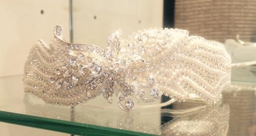 Alan Hannah pearl & crystal side tiara (new)
