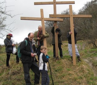 On the way to Roundway Hill on Good Friday 1