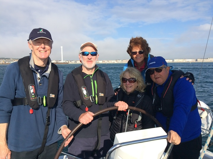 Vis a vis crew near Weymouth