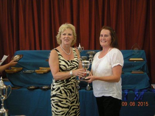 Jo Burchell recieving the Garden News Trophy