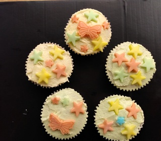 Five decorated fairy cakes from Carolyn (Sandiacre)